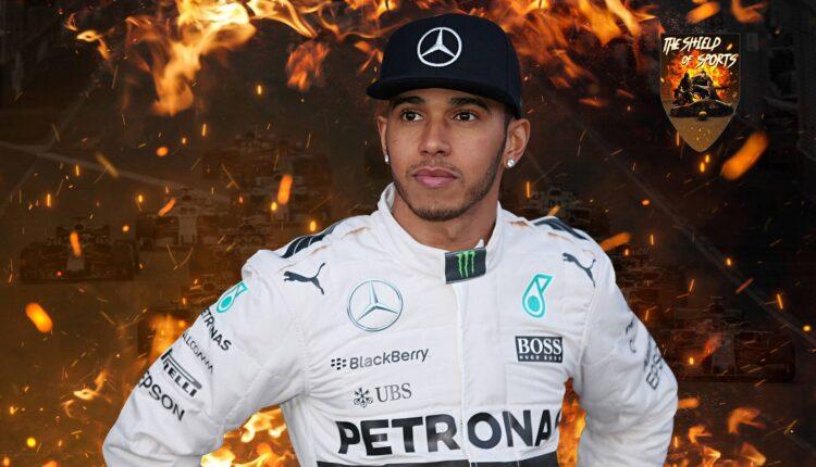 """Lewis Hamilton spiega cos'è il """"pulsante magico"""""""